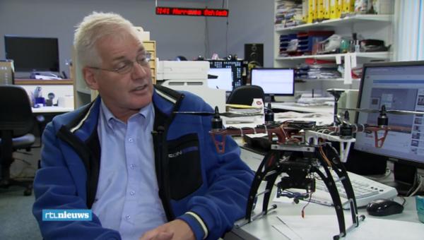 Roel Dijkstra met zijn drone