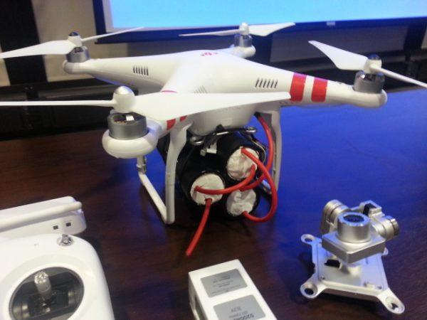 Een hobbydrone met 1,5 kilo aan nepexplosieven. Foto: Daniel Herbert/Skygear Solutions