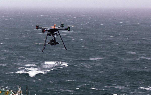Drone boven zee