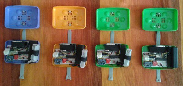 Vier 'luggage trauma sensors'. Foto: Ben Kreimer