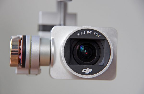 De cameralens heeft een beeldhoek van 94 graden
