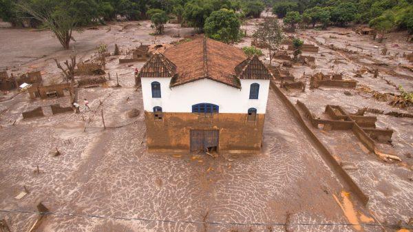 Paracatu-Igreja-2-1200x674