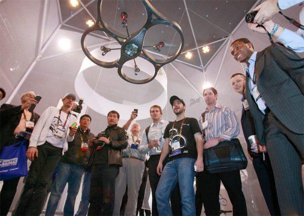 Introductie van de Parrot AR.Drone in 2010. Foto: CES