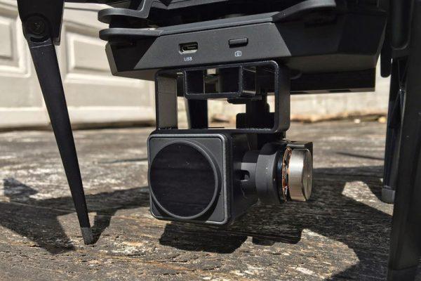 De gimbal en camera-module. De inklapbare pootjes zijn goed te zien