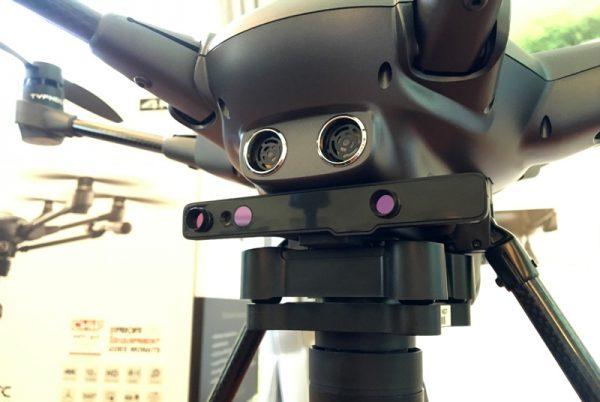 De Intel RealSense-module is tussen de body en de camera geplaatst
