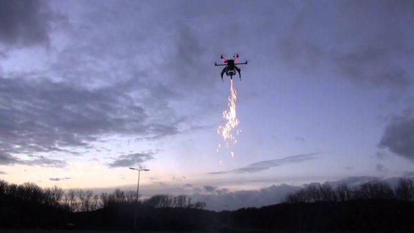 vuurwerk aan drone