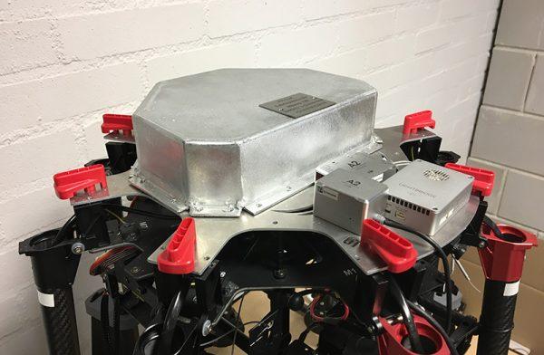 Speciale shielding beschermt de flight controller tegen elektromagnetische straling