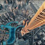Kijken: racedrone maakt duikvlucht langs hoogste gebouw ter wereld